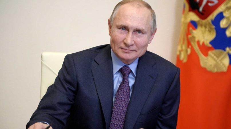 Путин подписал закон о штрафах за продажу гаджетов без российских приложений