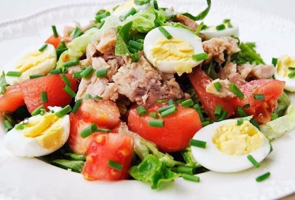 ТОП-8 Легких салатов ????  1. Салат с креветками и...
