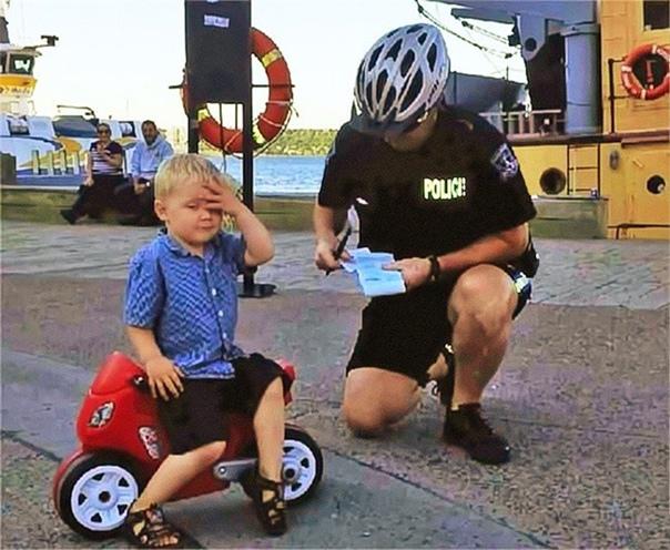 Копы оштрафовали трехлетнего мальчишку