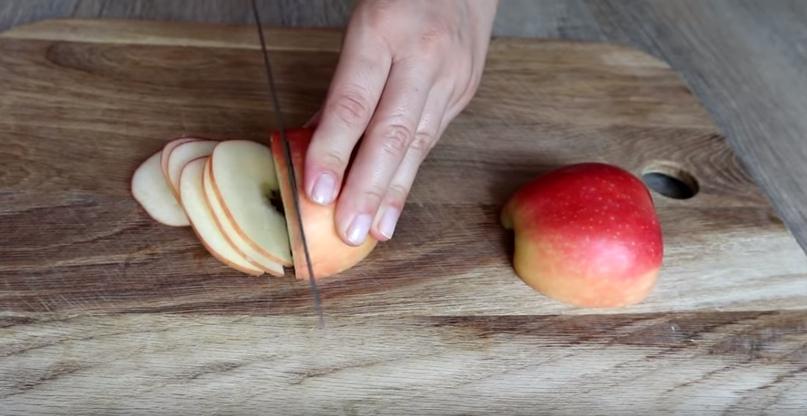 Неимоверно нежный яблочный пирог, изображение №4