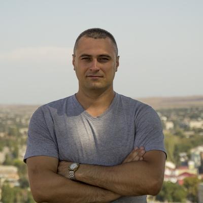 Сергей Аксён, Луганск