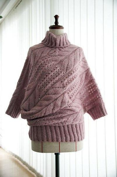 Пуловер оригинального покроя