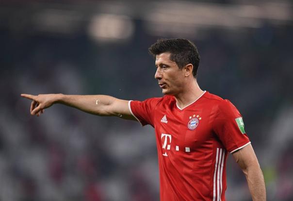 «Бавария» начала дерзко и уже ведет 1:0 ⚽  Роберт...
