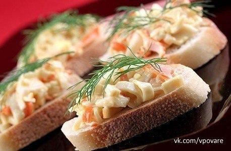 Любителям бутербродов посвящается  1. Чесночный бутерброд с сыром в...