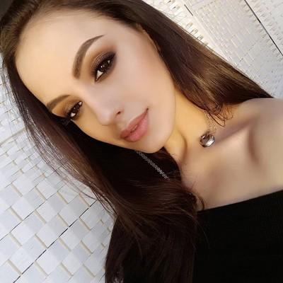 Лада Попова