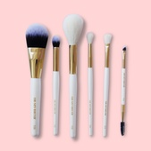 Базовый набор для создания экспресс-макияжа Essentials Kit