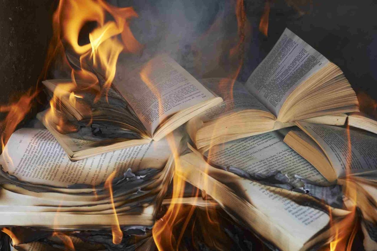 Пообещал тут пацану в комментах, что запилю список неплохих, на мой взгляд, книг...
