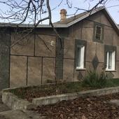 Продам добротный дом в горном Крыму в селе Предущельное  Бахчисарайского района. Площадь дома-60 м2.