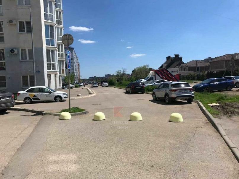 Очередной раунд заборно-шлагбаумной войны на Симиренко