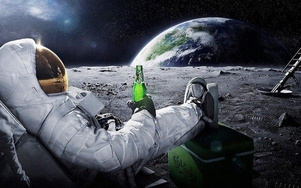 Алексей Федотов в составе команды астронавтов летел на Марс. В их космическом ко...