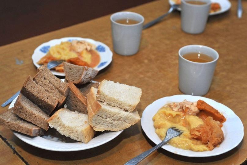 В Оренбуржье бесплатно кормят более 107 000 школьников