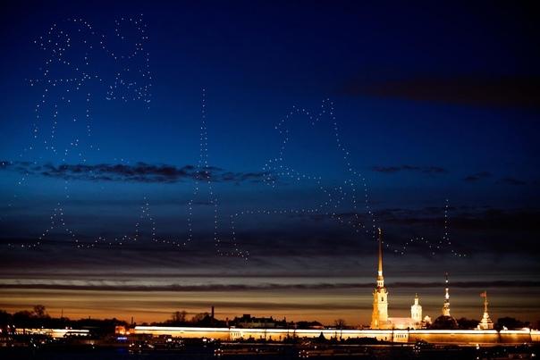 Вечером в воскресенье в Петербурге прошёл Фестиваль дронов....