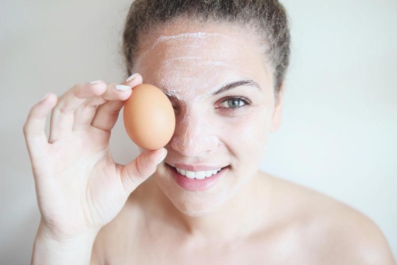 Самый простой рецепт лифтинг-маски основанный на использовании куриного яйца