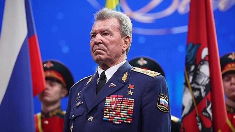 В Москве на 79 году жизни умер Герой России, депутат Госдумы, выпускник Оренбург...