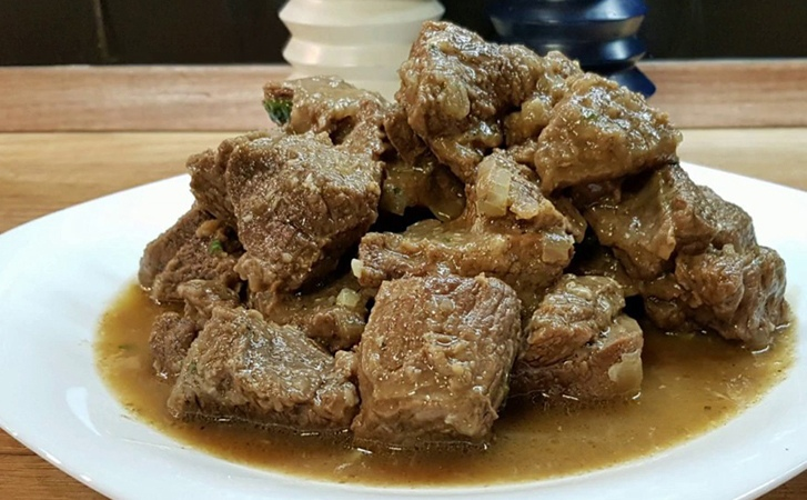 Кремлевские повара умели делать мясо таким нежным, что его подавали на стол без...