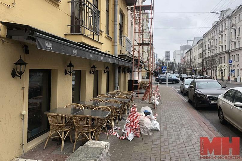 «Спрос на такую услугу растет». Минские кафе открывают летние террасы