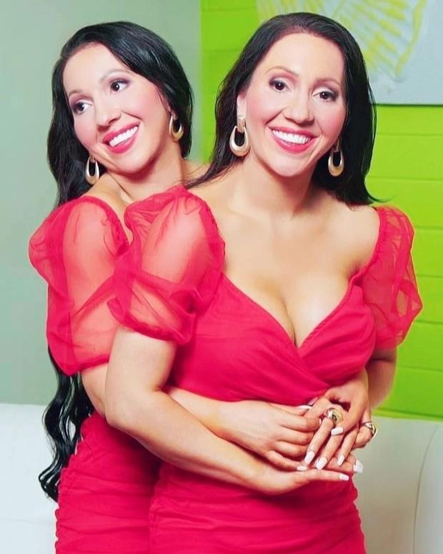 Девушки-близнецы захотели выйти замуж за одного мужчину
