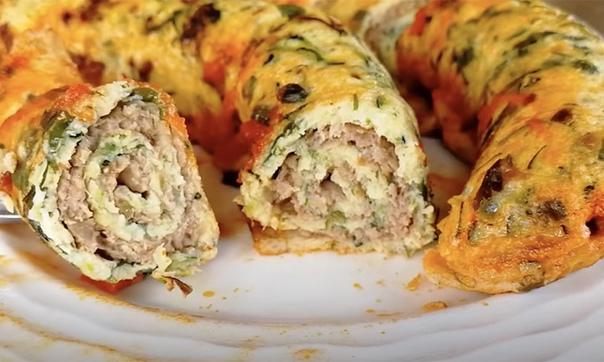 Возьмем пару кабачков и превратим их почти в настоящую колбасу, которой легко хв...