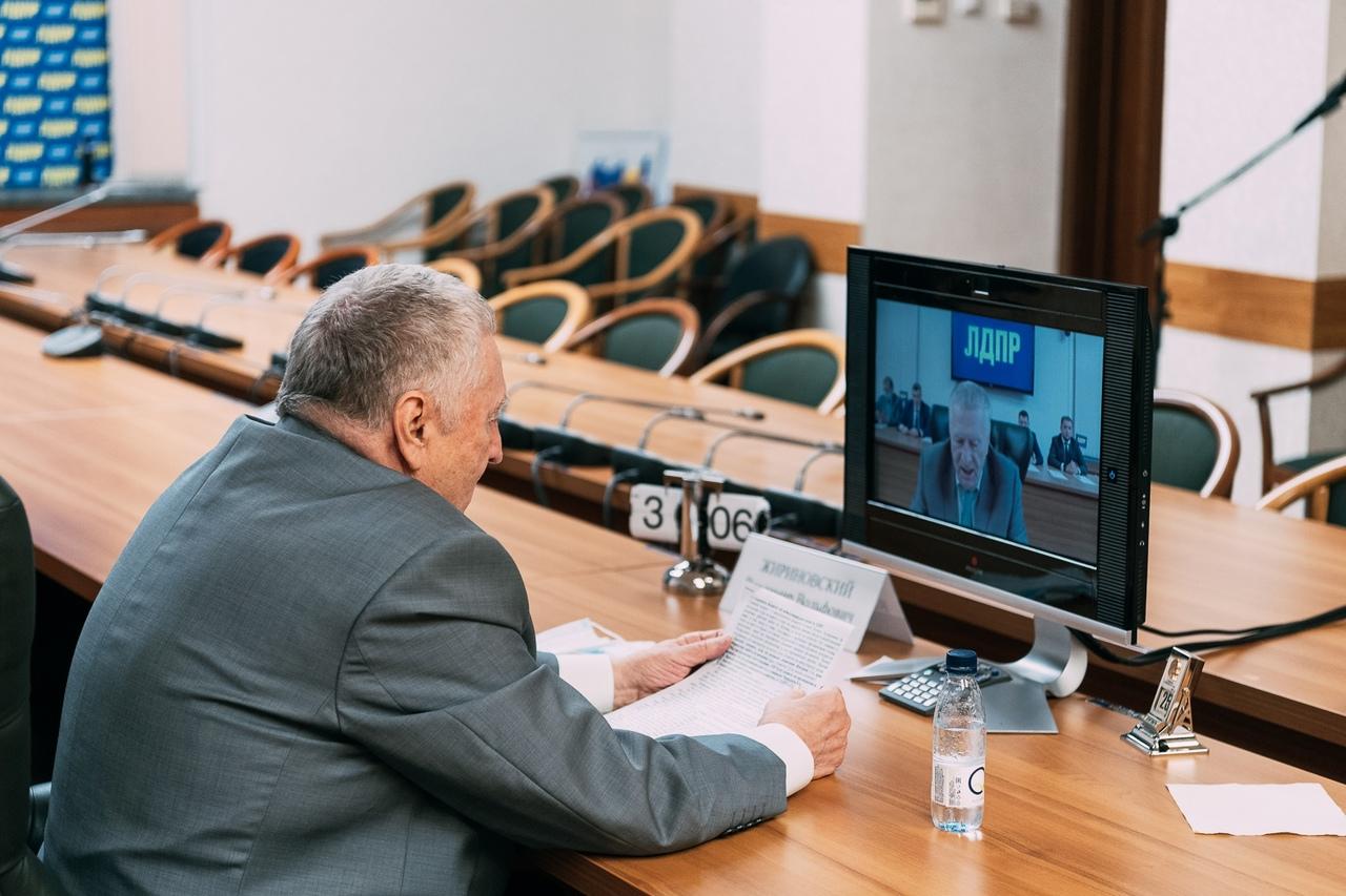 фото из альбома Владимира Жириновского №6