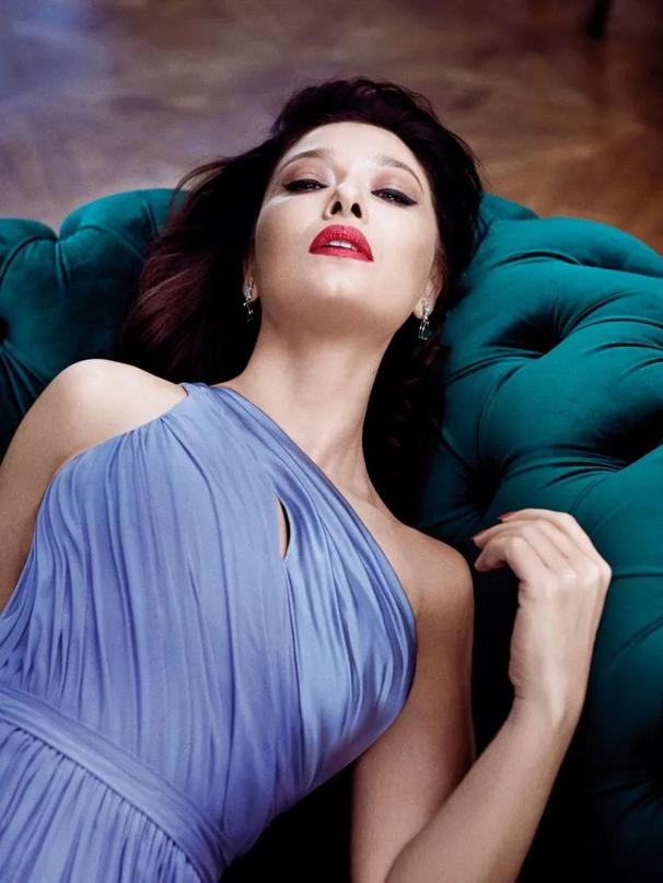#НургюльЕшилчай #NurgülYesilçay ✨ Ваше отношение к актрисе? ☺