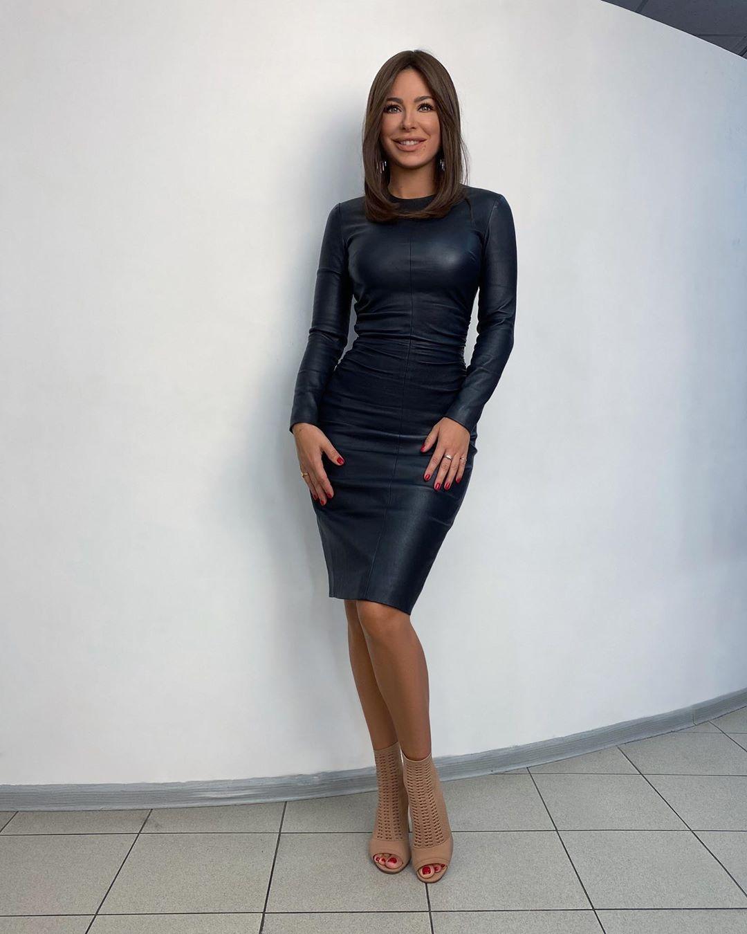 У Ани Лорак такая красивая фигура, не зря занимается