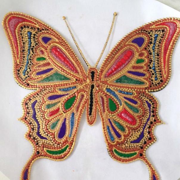 Создаем декоративную тарелку Бабочка в технике точечной росписи.