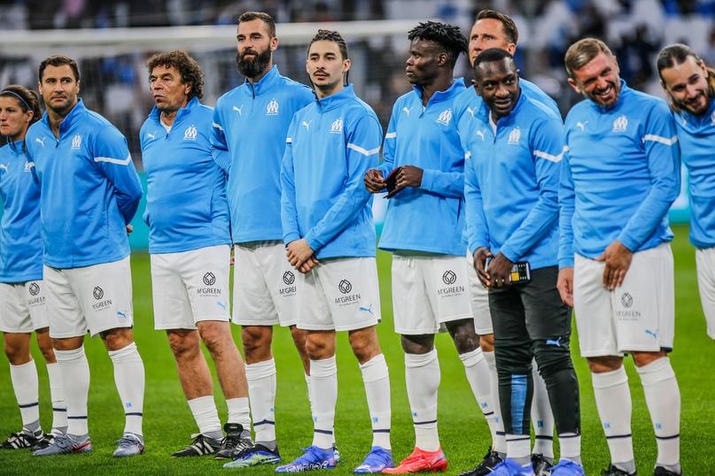 Сегодня во Франции проходит благотворительный футбольный матч ⚽  Сколько...
