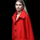 Пальто красное шерстяное