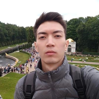 Азамат Кангельдиев, Москва