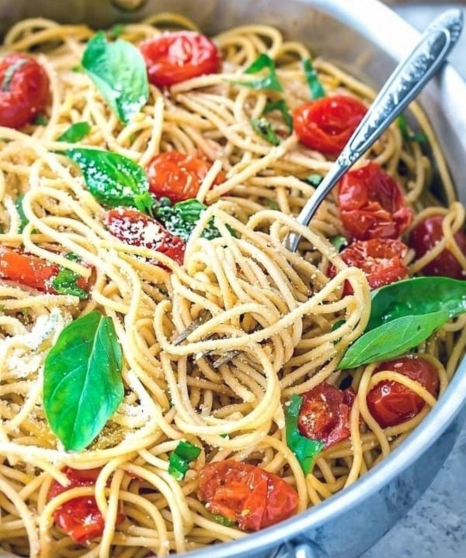 Паста со шпинатом и томатами 🍴🍝🍝🍝🍅🍅🍅🍴