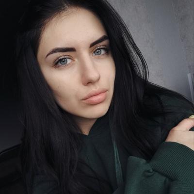 Юля Суворова