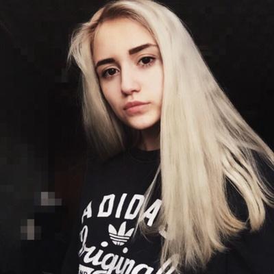 Саша Абрамова, Москва
