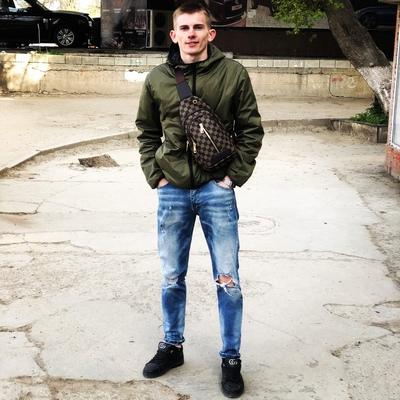 Антон Манов, Симферополь