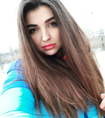 Вика Абрамова, Москва