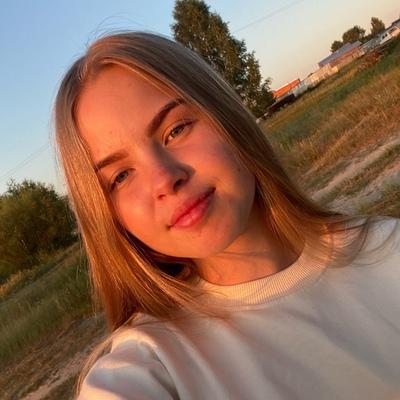 Даша Бреднева