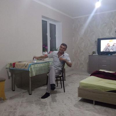 Дмитрий Данелюк, Шымкент