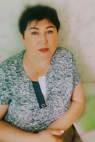 София Десинова