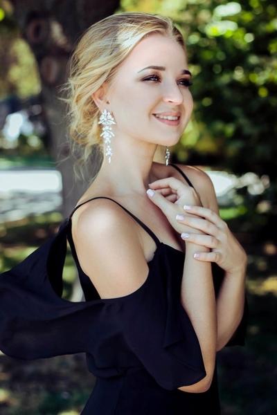 Катя Дурова