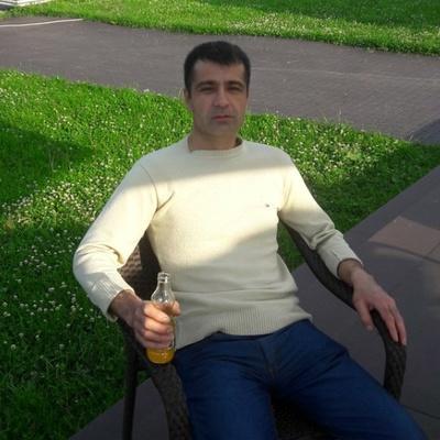 Дадохуджа Абдувахобов, Москва