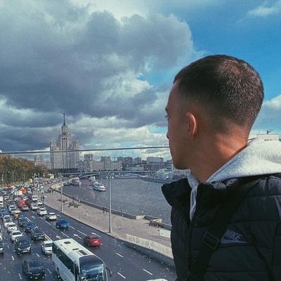 Миша Андреев