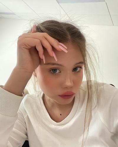 Аня Солодовникова, Москва