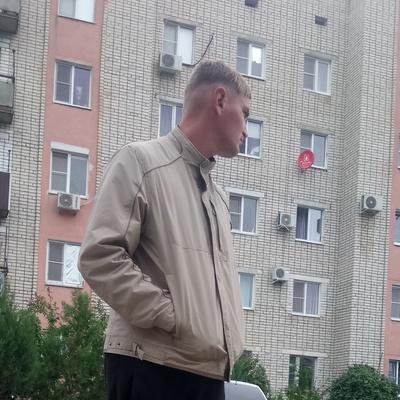 Анатолий Леус