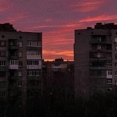 Заира Тронская, Грозный
