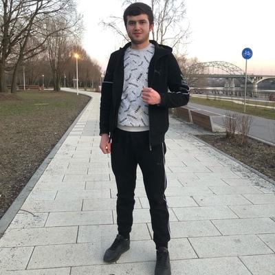 Нурдин Сафаров, Москва