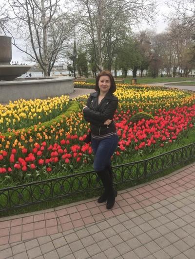Нина Фролова, Москва