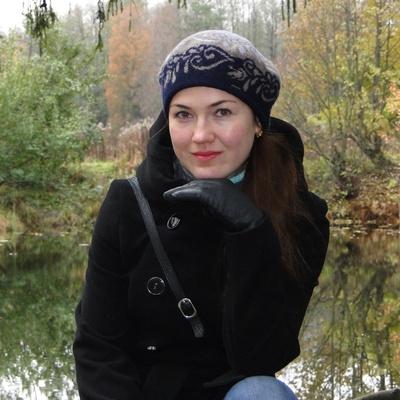 Анна Попова, Москва